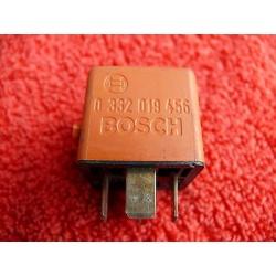 Relais Bosch Orange 0332019456